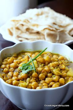 Cooking with Ria: Curried Channa and Aloo (Chickpeas with Potatoes)