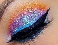 Glitter Eye Makeup: Glitter Eye Makeup for the Best Performance ~ Black Glitter. Body Glitter. Eye Glitter. Eye Glitter Makeup. Eye Kandy Cosmetics.