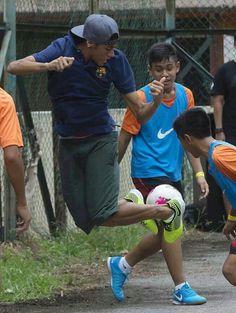 Young Neymar...Barca shirt...love it!