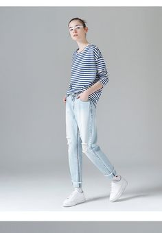 t-shirt shirt 2017 fashion clothing autumn collection new trend outfit Fashion 2017, Fashion Outfits, Jean Skirt, Autumn, Fall, New Trends, Jeans Style, Trousers, Normcore