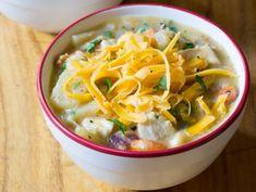 Recette facile de soupe aux patates et poulet dans la mijoteuse Slow Cooker Recipes, Thai Red Curry, Stew, Mashed Potatoes, Crockpot, Food And Drink, Ethnic Recipes, Bang Bang, Pizza
