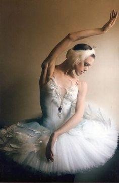 "Ulyana Lopatkina (Odette) with Mariinsky Ballet in ""Swan Lake"""