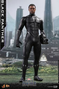 BLACK PANTHER Hot Toys Action Figure Shows Off T'Challa's New Suit In All Its Mind-Blowing Glory