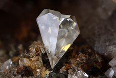 Cerussite - Trentini Mine, Contrada Trentini, Torrebelvicino, Vicenza Province, Veneto, Italy Size: 1.78 mm