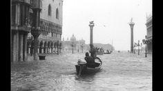 Gran aluvión sobre Venecia.  4 novembre 1966 a Venezia la marea ha raggiunto il livello di +194 cm alle 6 di sera . L'acqua ha cominciato a inondare Venezia nella tarda serata del 3 novembre e durò per 22 ore. Ciò ha causato un danno enorme sia a Venezia che sulle isole intorno. II