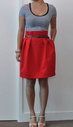 I think i need a red skirt :) From this tutorial: http://grosgrainfabulous.blogspot.com/2011/05/free-pattern-month-day-10-adventures-in.html#bit