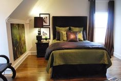 [ I'm really digging the colors of this room...Though, I might go with a sage wall. -Jen ] Green and brown bedroom
