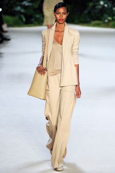 Akris Spring 2013 RTW - Review - Fashion Week - Runway, Fashion Shows and Collections - Vogue - Vogue