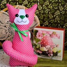 Kotek torebkowy - Kinia - 25 cm Sewing Toys, Cat Toys, Dinosaur Stuffed Animal, Babe, Pink, Easter, Animals, Rose, Animaux
