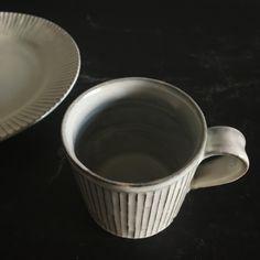 川口 武亮 粉引鎬マグカップ - うつわ 生活道具 STROLL(ストロール) Cups, Tableware, Mugs, Dinnerware, Tablewares, Place Settings