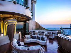 chivas bar bangkok - Google 搜尋 Night Bar, Rooftop Bar, Retail Space, Bangkok, Mansions, Display Ideas, House Styles, Building, Travel