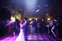 Aviones de papel para el baile de los novios?
