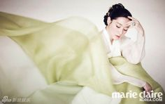 Lee Young Ae Is Graceful In A Hanbok For Marie Claire Korea's February 2014 Issue Korean Hanbok, Korean Dress, Korean Outfits, Korean Clothes, Korean Traditional Dress, Traditional Looks, Traditional Dresses, Korean Star, Korean Girl
