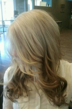 Reverse ombre. I love this hair.