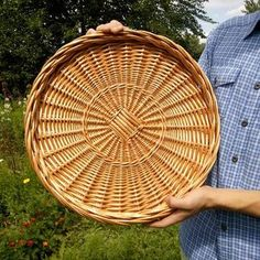 Recycle Newspaper, Wicker Furniture, Sisal, Cozy House, Basket Weaving, Wicker Baskets, House Styles, Interior, Crafts