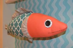 Nina & Neptune Fish Free Template and Instructions at https://www.rileyblakedesigns.com/free_sewing_projects/ #fish #tutorial #rileyblakedesigns