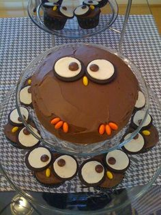 Owl cake & cupcakes, I want an owl birthday cake! I%u2019ve seen the cupcakes before, but the cake is new:)