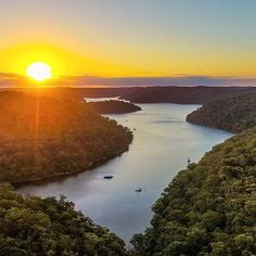 Whilst everyone in @sydney was watching the dazzling lights of @vividsydney, @bpayts had this golden hour at America Bay all to himself 👌 Despite its name, this beautiful place is indeed in #Sydney, Australia, in the Ku-ring-gai Chase National Park around an hour's drive from the CBD. There are loads of excellent walking tracks, picnic spots and lookouts in this lovely national park, so if you're visiting Sydney be sure to check it out. #travelphotos #wanderlust #ilovesydney #visitnsw…