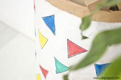 DIY para decorar un saco kraft o Kraft Paper Storage Bag. Ideal para guardar los juguetes. #IDOPROYECT