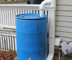 After acquiring a couple of food-grade chemical barrels for free, I wanted to create a rain barrel with a diverter. However, all of the diverters, either commercial. Rain Barrel System, Water From Air, Water Barrel, Soil Layers, Water Collection, Rainwater Harvesting, Water Conservation, Hydroponics, Backyard Landscaping