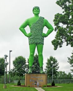 Jolly Green Giant in Blue Earth, MN - http://www.tourguidetofun.com/ingalls-homestead/ #jollygreengiant