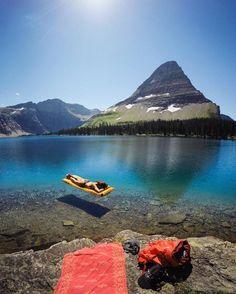 Tan solo mira este lago cristalino de Hidden Lake, Montana, Estados Unidos.