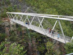 Gorsa Bridge – Thrilling architecture for walkers - Photo: Kåfjord Kommune - Gáivuona suohkan Bridge Structure, Pavilion Design, Space Frame, Hiking Guide, Bridge Design, Pedestrian Bridge, Walking Map, Civil Engineering, Covered Bridges