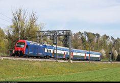 Net Photo: 450 077 SBB Re 450 at Bassersdorf, Switzerland by Georg Trüb Location Map, Photo Location, Swiss Railways, Winterthur, Electric Locomotive, Switzerland, Community, Train, Image