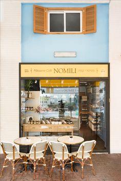 nomili Patisserie coffee shop designed by dana shaked  נומילי פטיסרי בית קפה wooden window חלון תריס עץ