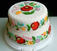 Hungarian cake with Kalocsai motifs. This is a Gorgeous cake! I Love the bright, vivid colors. Gorgeous Cakes, Pretty Cakes, Cute Cakes, Yummy Cakes, Amazing Cakes, Unique Cakes, Creative Cakes, Hungarian Cake, Painted Cakes