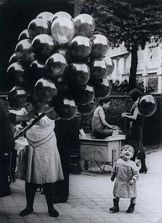 Brassaï The Balloon Merchant, 1931
