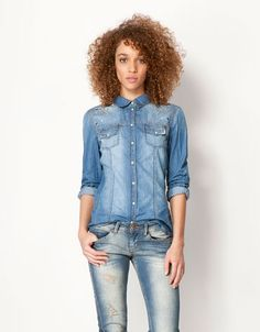 Perfect fitted and studded denim shirt