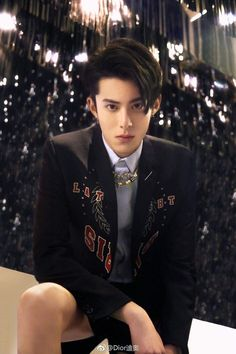 30 Pictures Of Dylan Wang Of Netflix's 'Meteor Garden' That Make Him Bad For All The Good Reasons Meteor Garden Cast, Meteor Garden 2018, Asian Actors, Korean Actors, Shan Cai, Netflix, Kdrama Actors, Boys Over Flowers, Chengdu