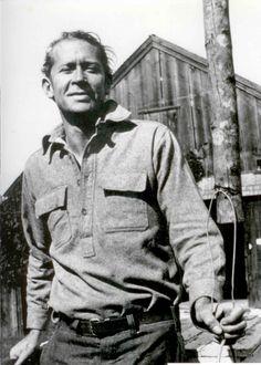 "Edward Estlin ""e.e."" Cummings photographed by Marion Morehouse."