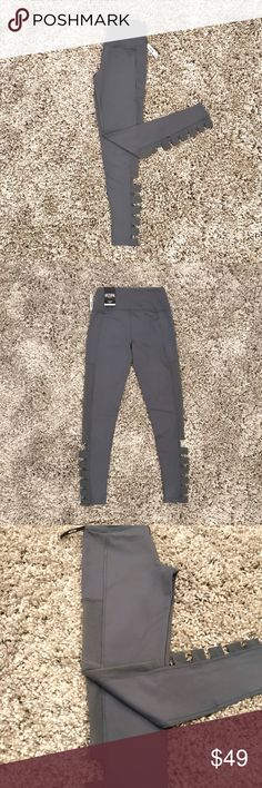 Victoria's Secret Leggings (knockout tight) Brand new with the tags. Mid-rise. Size XS. Victoria's Secret Pants Leggings