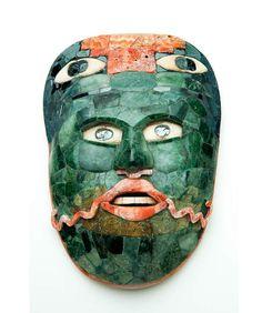 Small belt mask, jade hematite shell. Consejo Nacional para la Cultura y las Artes - Instituto Nacional de Antropología e Historia. Fotógrafo Ignacio Guevara.