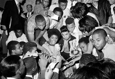 Nancy Wilson and crowd at Howard Theater 1967