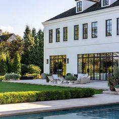 garden architecture White Exterior, Black Windows, Dream Home - House & garden. Dream Home Design, My Dream Home, House Design, Design Hotel, Roof Design, Future House, Dream House Exterior, House Exteriors, House Goals
