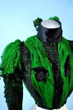 1890 BRILLIANT EMERALD GREEN CHIFFON/JET BEADS PARIS LABELLED VERY FANCY BODICE. 250 $