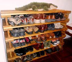Pallet Shoes Cabinet #PalletCabinet, #PalletFurniture, #PalletShoeRack, #RecycledPallet