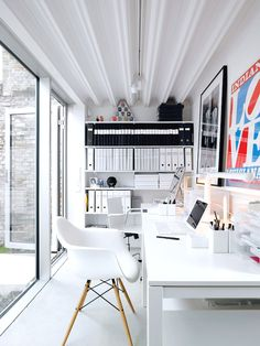 Black and white monochromatic #home office #workspace design