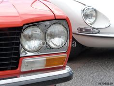 Jaguar E-Type und Peugeot 304 der Siebziger Jahre in Wettenberg Krofdorf-Gleiberg