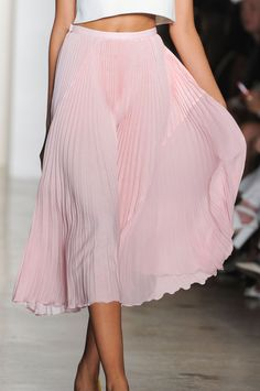 """improbabilefashonista: """" Timo Weiland at New York Fashion Week Spring 2015 """" Fashion Models, Fashion Beauty, Fashion Fashion, Spring Fashion, Skirt Fashion, Fashion Outfits, Off White, Fancy Dress Up, Mode Inspiration"""