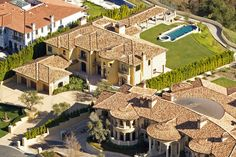 Kim Kardashian and Kanye West bought this Spanish villa-style mansion near Los Angeles shortly after news broke of Kardashian's pregnancy. They immediately began renovating the square-foot property, which is located near Jennifer Aniston's home. Kim Kardashian Kanye West, Kim And Kanye, Celebrity Mansions, Celebrity Houses, Bel Air Mansion, Spanish Villas, Rich Home, Million Dollar Homes, Mediterranean Style