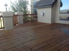 Redwood deck and railing after DEFY Extreme Wood Stain in cedar tone is applied Outdoor Wood Stain, Wood Deck Stain, Best Deck Stain, Deck Stain Colors, Exterior Wood Stain, Outdoor Wood Furniture, Semi Transparent Stain, Driftwood Stain, Deck Makeover