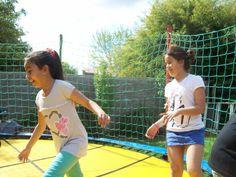 Las niñas divirtiendose