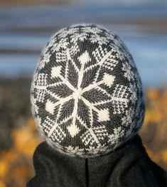 Ravelry: Snawheid pattern by Kate Davies