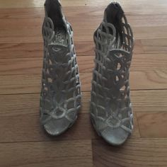 Vince Camuto Snake type material. Cream in color. Lightly  used, very nice. Vince Camuto Shoes Heels