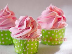 Cupcake Bubble Bath Bomb with Cocoa Butter by WinterVallie on Etsy, $4.00