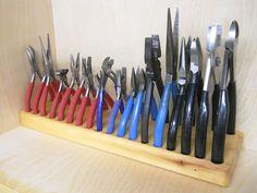 Pliers and Fine Saws Storage / Rangement de pinces et scies fines